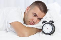 Ako dlho by sme mali denne spať?