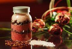 Ako vyrobiť bylinkovú kúpeľovú soľ?