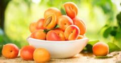 ovocie na marhuľovú marmeládu