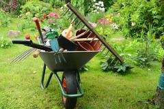 práce na záhrade
