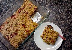 rebarborový sypaný koláč