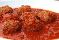 recept na mäsové gule v paradajkovej omáčke