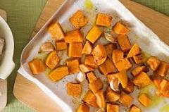 recept na pečenú tekvicu s nivou a semienkami
