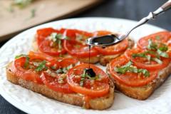 ako urobiť kozí syr so sušenými paradajkami