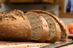 ako urobiť celozrnný chlieb s cmarom