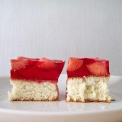 piškótový koláč s ľanovými semienkami
