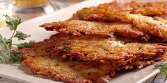 príprava zemiakových placiek s brusnicami