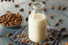 rastlinný nápoj mandľové mlieko