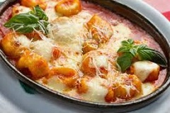 recept na noky s paradajkovo-syrovou omáčkou
