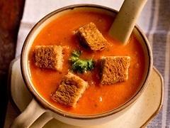 recept na paradajkovú polievku s bylinkami