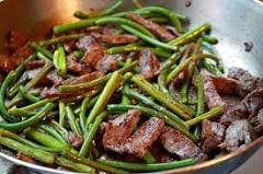 recept na smažené cesnakové výhonky