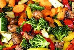 vegetariánske jedlo zjedného hrnca
