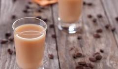 Domáci gaštanový a kávový likér