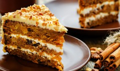koláč s orechami a mrkvou