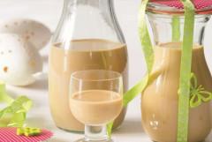 recepty a návod ako si vyrobiť domáci mandľový a kokosový likér