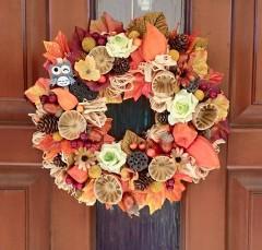 postup ako si vyrobiť jesenný veniec z prírodných materiálov