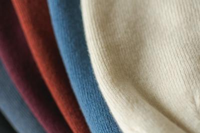 pohodlné a štýlové materiály na oblečenie