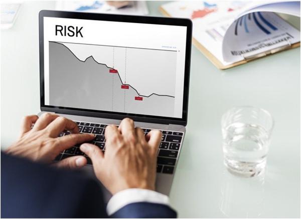 krachovanie firmy a riziko podnikania