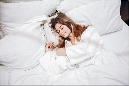 Ako si vybrať čalúnenú posteľ